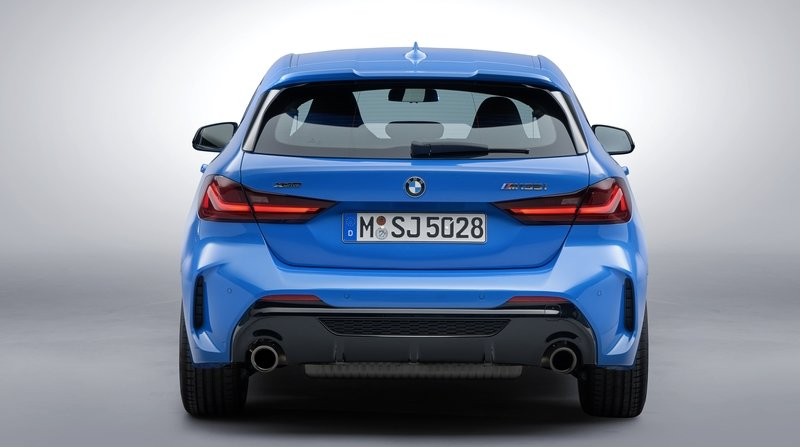 2020 BMW M135i vs 2020 Mercedes-AMG A35