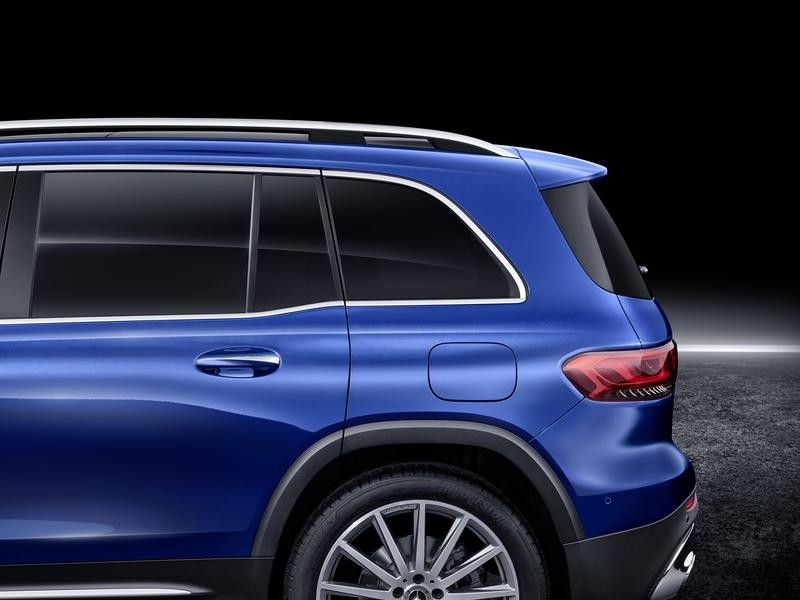 The 2020 Mercedes-Benz GLB Seven-Seater Compact Crossover Is the New Official