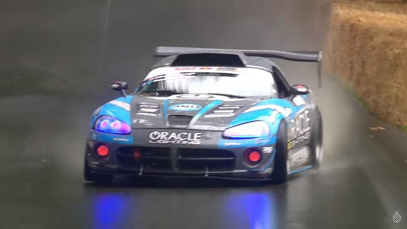 A Dodge Viper Drifting in the Rain is a Treat For All Of Us