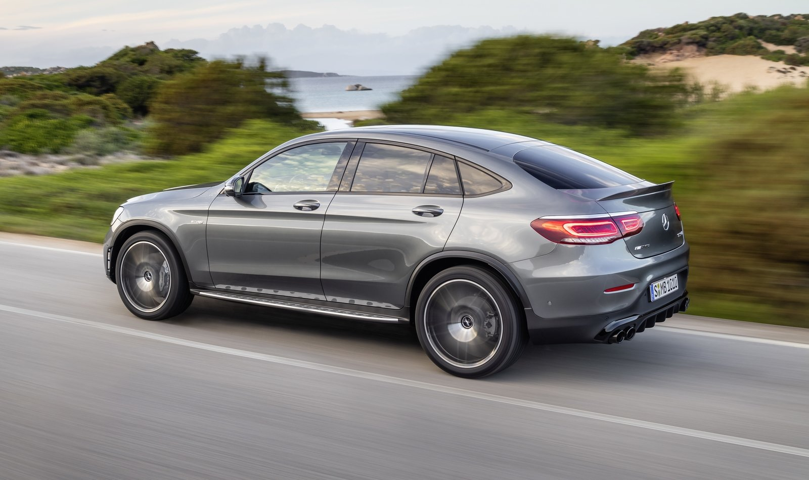 Mercedes Amg Glc43 Unveiled With Aggressive Looks And Beefed