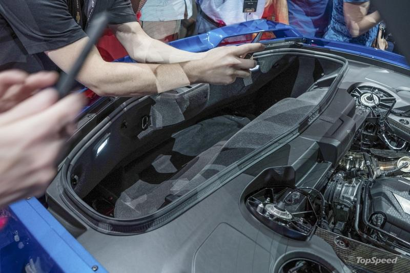 The 2020 Chevy C8 Corvette Has Specific Roof Mounts in the Trunk for Safe Storage - image 851234