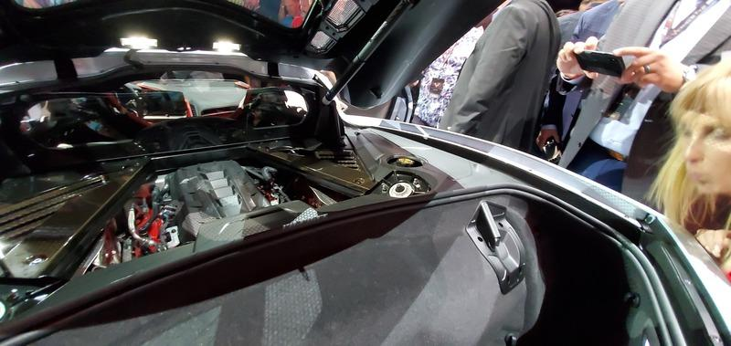 The 2020 Chevy C8 Corvette Has Specific Roof Mounts in the Trunk for Safe Storage - image 850852