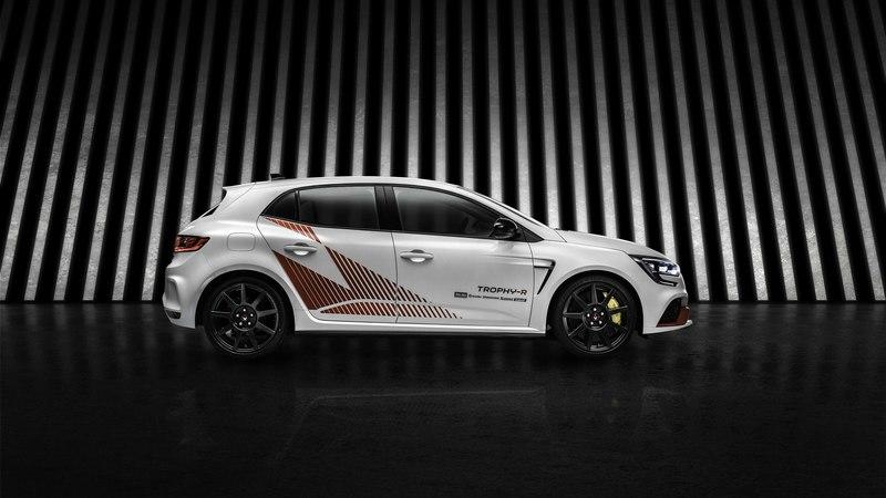 The Limited-Edition Megane R.S. Trophy-R is the King of Pure Hatchbacks and Compact Performance