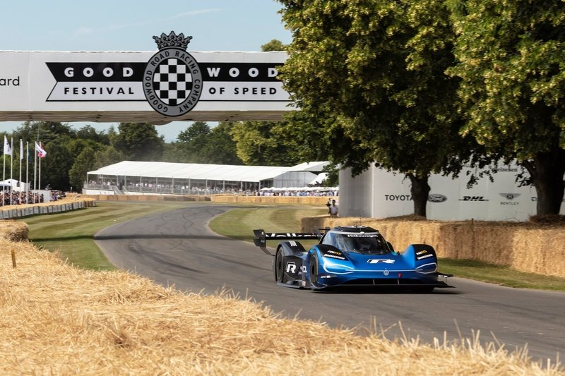 The Volkswagen I.D. R Is The Fastest Car Ever Around The Goodwood Hillclimb Course