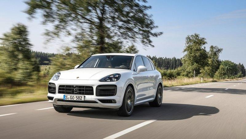2020 Porsche Cayenne Turbo S E-Hybrid tops the range with 670 horsepower