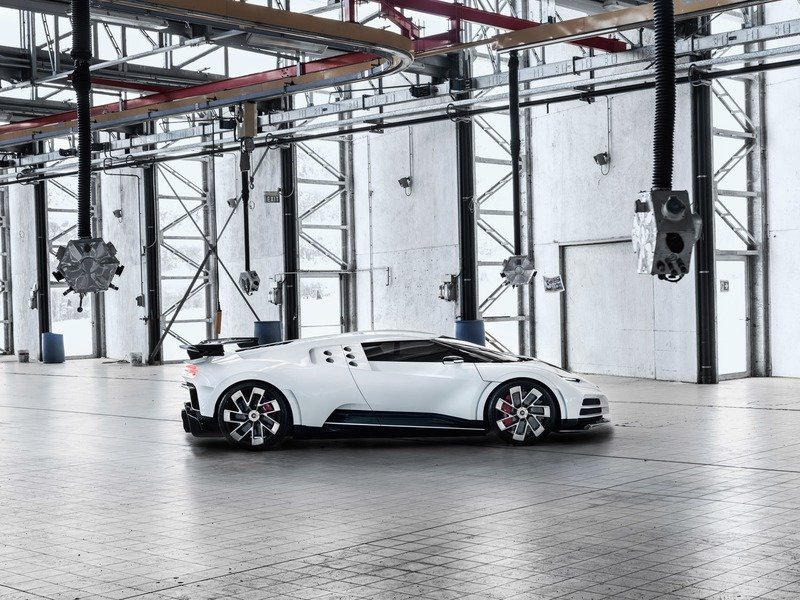 Bugatti Centodieci is an EB110-Inspired Hot Mess Exterior - image 856032
