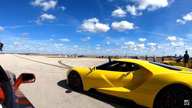 McLaren 720S vs. Ford GT - Who Wins the Half-Mile Drag Race?