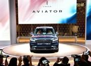 The Lincoln Aviator Hybrid Is More Powerful than the Chevrolet C8 Corvette - image 855745