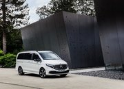 The 2020 Mercedes EQV Is the First Electric Luxury MPV, but Is It More than a V-Class with a Heart of Lithium? - image 856621
