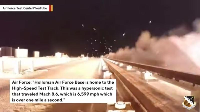 Here's a Hypersonic Sled Travelling at More Than 1 Mile Per Second - image 862070