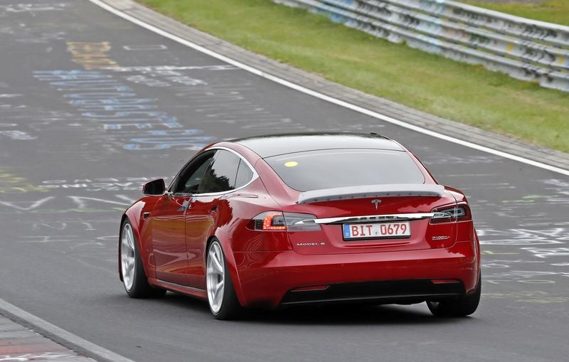 Here's That Video of the Tesla Model S Tearing Up Laguna Seca - Is Another Record Attempt Coming? Exterior Spyshots - image 861626