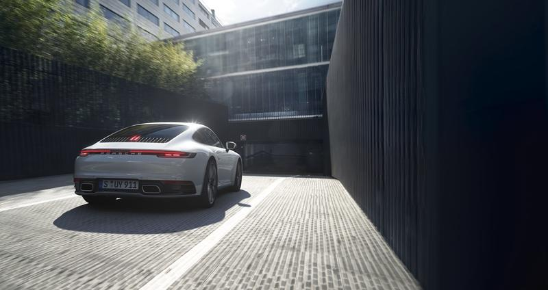 Say Hello to the 2020 Porsche 911 Carrera 4 and Carrera 4 Cabriolet - image 860568