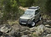 2020 Land Rover Defender - image 860829