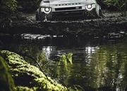 2020 Land Rover Defender - image 861002