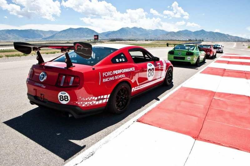 Want a Real Ford Boss 302FRS Race Car? Well, You Can Have It If You're Quick Enough and Have $45K - image 859236
