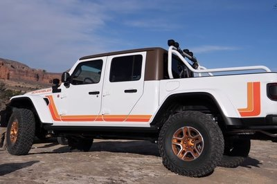 A Michigan Jeep Dealer Turned the Gladiator Into a CJ-8 Scrambler and It's Awesome