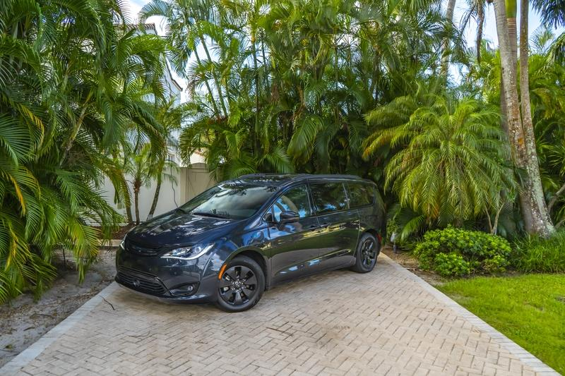 2019 Chrysler Pacifica Hybrid - Driven
