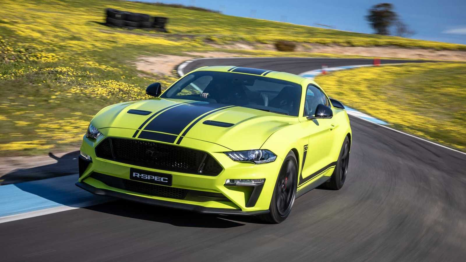 2020 ford mustang r
