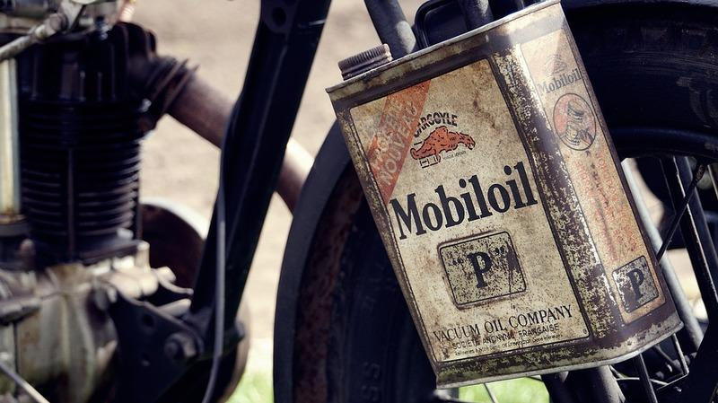 Guide: Selecting the right Motorcycle Engine Oil - image 868631