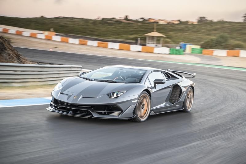 How Fast Can a Lamborghini Go?