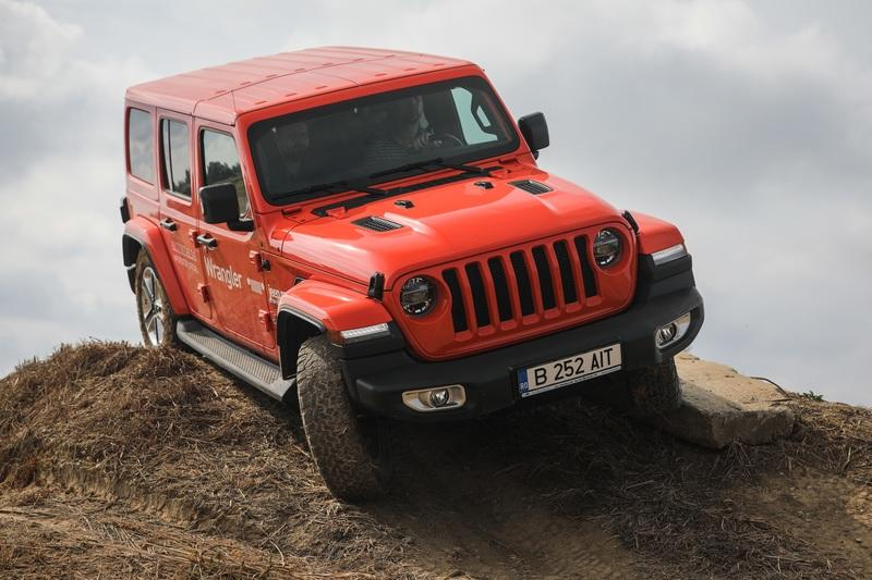 Driving the New Jeep Wrangler JL on a Harsh Off-Road Course Is a Confidence Boosting Experience