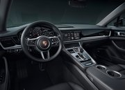 2020 Porsche Panamera 10 Years Edition - image 864418