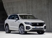 Volkswagen Wants to Take on AMG and BMW M with a Hybrid 2021 Volkswagen Touareg R - image 868468