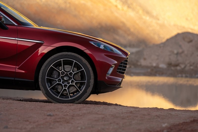 The 2021 Aston Martin DBX Arrives as the Brand's First SUV with a Huracan-Like Price Exterior - image 872448