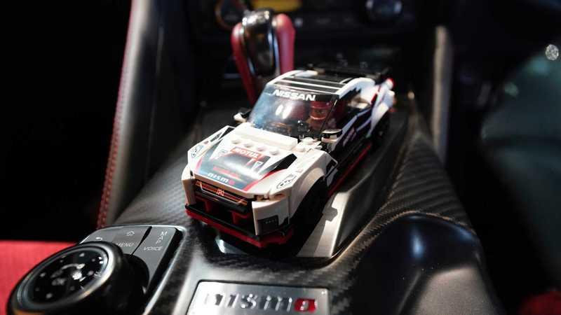 LEGO Speed Champions Introduces a Nissan GT-R NISMO We Can All Afford - image 873748