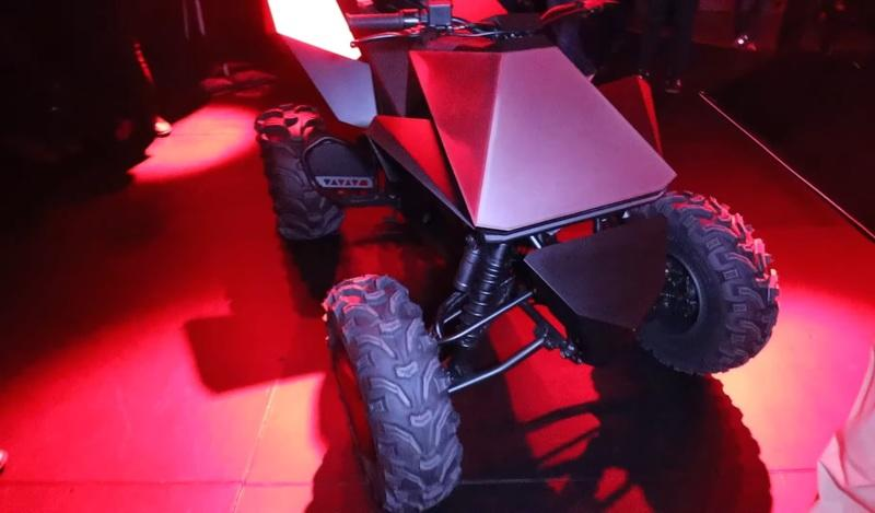 "Tesla unveiled it's rad new ""Cyberquad"" electric ATV prototype at the Cybertruck launch Exterior Screenshots / Gameplay - image 873231"