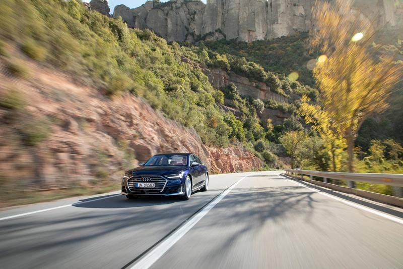 The 2020 Audi S8 Comes to Take Control From the Mercedes S600 and BMW M760i