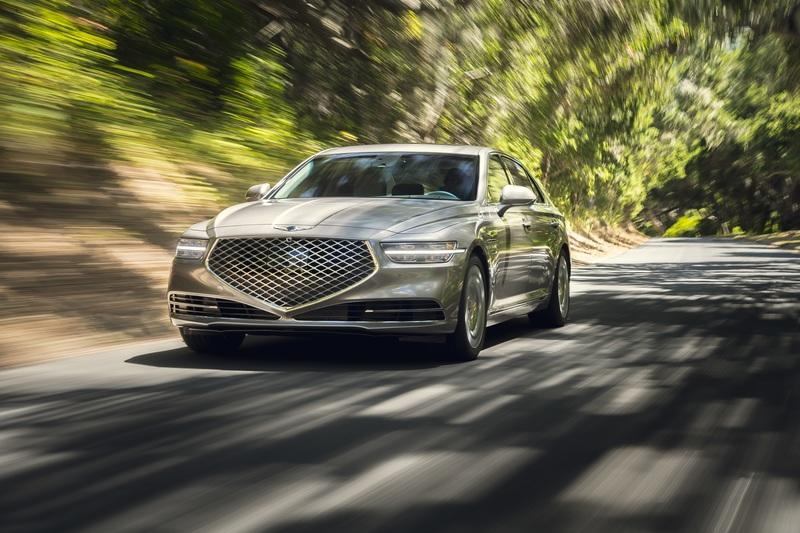 2020 Genesis G90 picture gallery