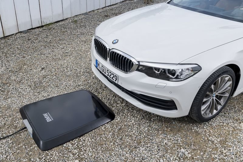 BMW Motorrad's brand new wireless charging solution patented