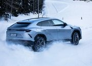 Amazing Wallpapers: The Lamborghini Urus, Aventador SVJ, and Huracan EVO Celebrate Christmas the Right Way - image 877355
