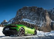 Amazing Wallpapers: The Lamborghini Urus, Aventador SVJ, and Huracan EVO Celebrate Christmas the Right Way - image 877356