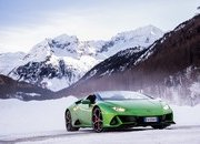Amazing Wallpapers: The Lamborghini Urus, Aventador SVJ, and Huracan EVO Celebrate Christmas the Right Way - image 877357
