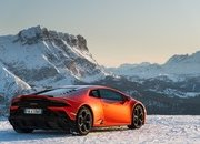Amazing Wallpapers: The Lamborghini Urus, Aventador SVJ, and Huracan EVO Celebrate Christmas the Right Way - image 877368