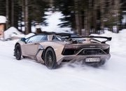 Amazing Wallpapers: The Lamborghini Urus, Aventador SVJ, and Huracan EVO Celebrate Christmas the Right Way - image 877378