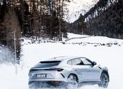 Amazing Wallpapers: The Lamborghini Urus, Aventador SVJ, and Huracan EVO Celebrate Christmas the Right Way - image 877353