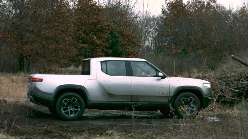 The Rivian R1T Just Put the Tesla Cybertruck to Shame With Tank Turn Capability