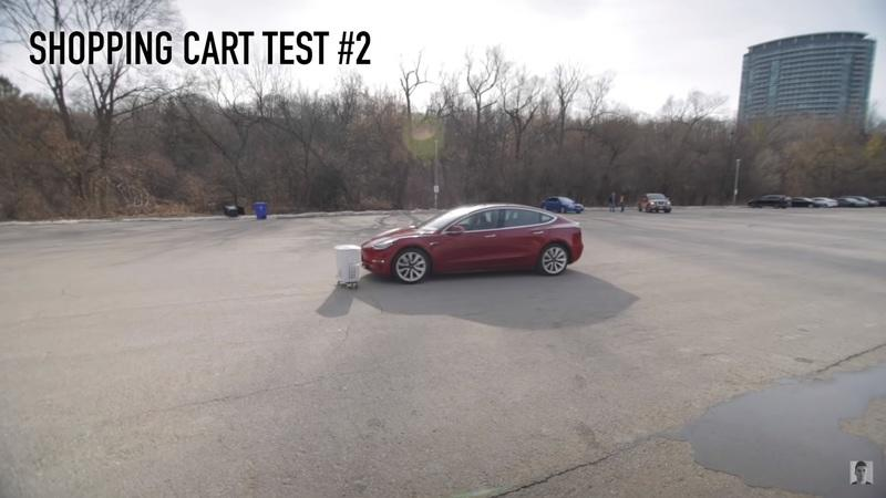 Video: Tesla's Smart Summon Feature Is Good For Stationary Objects, But Not So Much For Moving Obstacles - image 876816