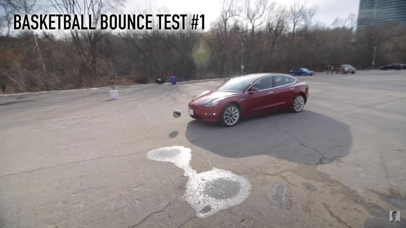 Video: Tesla's Smart Summon Feature Is Good For Stationary Objects, But Not So Much For Moving Obstacles - image 876818