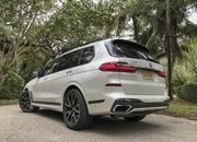 Chasing Whales: BMW X7 M50i Drag Races Mercedes-AMG G 63 - image 879975