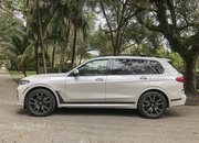 Chasing Whales: BMW X7 M50i Drag Races Mercedes-AMG G 63 - image 879980