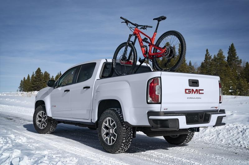 GMC Ups The Ante By Introducing The Off-Road AT4 Trim for The 2020 Canyon Exterior - image 880038