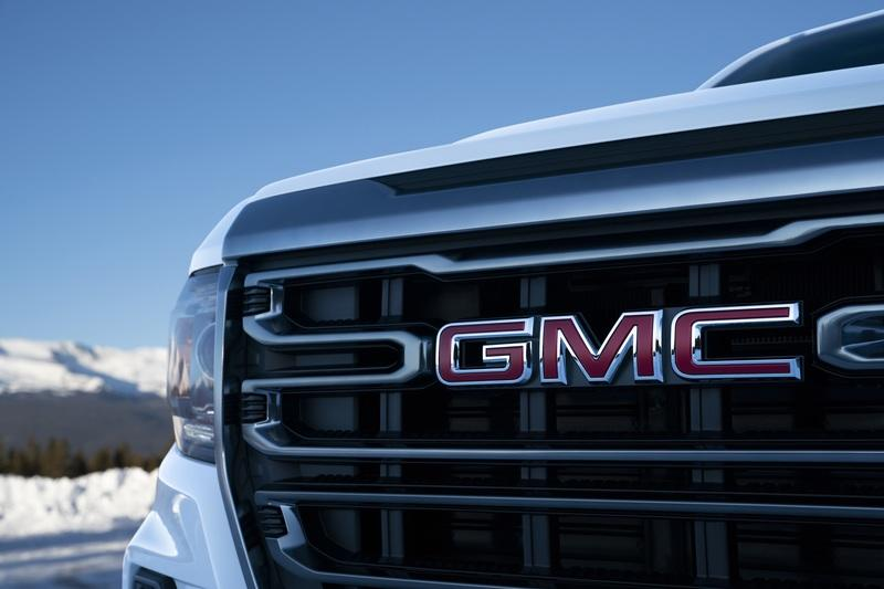 GMC Ups The Ante By Introducing The Off-Road AT4 Trim for The 2020 Canyon Exterior - image 880041