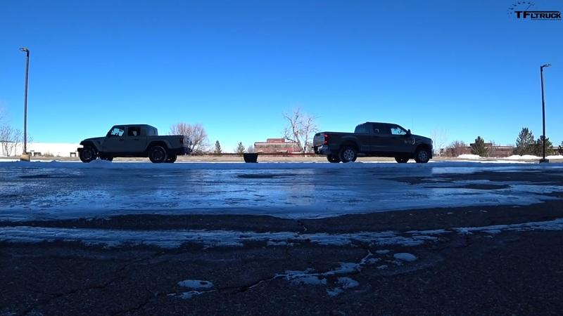 Jeep Gladiator and Ford F-250 Tug-of-War Shows the Difference Between Function and Fun