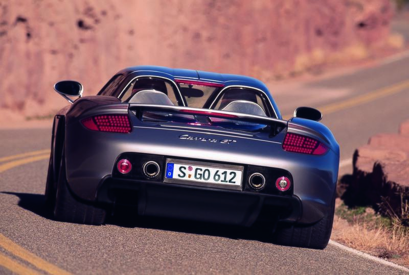 This Is the Best Porsche Carrera GT Crash Course You'll See All Year