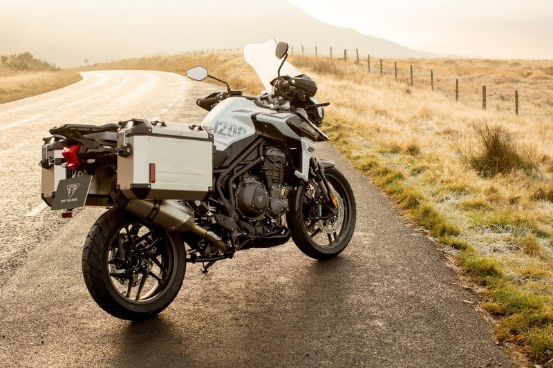 Triumph gave their swashbuckler Tiger 1200 machine two special editions for 2020 Exterior High Resolution Wallpaper quality - image 881976