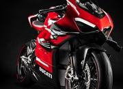 Ducati finally unleashed their most extreme production motorcycle till date: The Superleggera V4 - image 885318